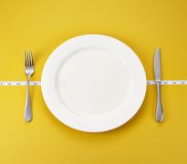 פסיכולוג המספק טיפול פסיכולוגי בהפרעות אכילה